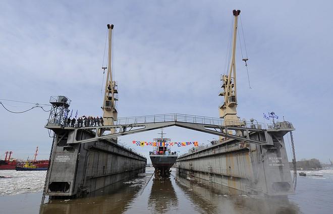 Hạ thủy tàu đổ bộ cơ lớn của Hải Quân Nga