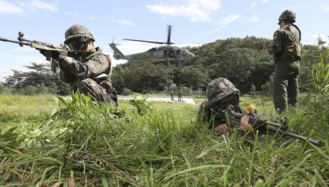 Hàn Quốc cân nhắc dừng tập trận bắn đạn thật đến hết năm 2018