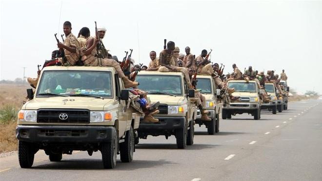Các lực lượng liên minh Saudi-UAE tiến vào thành phố cảng Hodeida