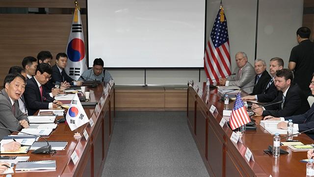 Vòng đàm phán lần 4 về chi phí quốc phòng tổ chức tại Seuol, Hàn Quốc ngày 28-6