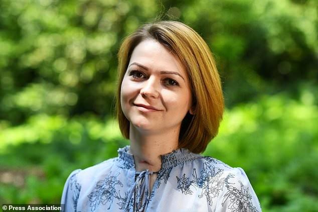 Yulia Skripal bị nhiễm chất độc thần kinh Novichok cùng với cha cô điệp viên Sergei Skripal