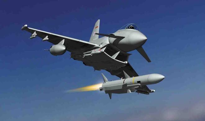 Máy bay chiến đấu của Tây Ban Nha vô tình bắn tên lửa