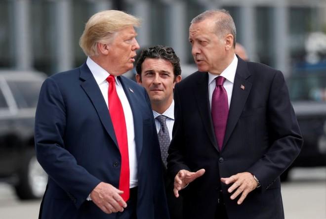 Căng thẳng leo thang khi Mỹ áp dụng mức thuế nặng nề với mặt hàng thép và nhôm nhập khẩu từ Thổ Nhĩ Kỳ