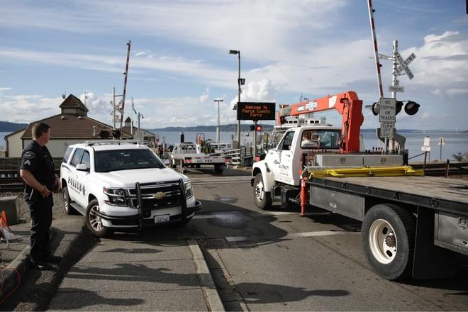Cảnh sát có mặt trên đảo Ketron điều tra vụ việc