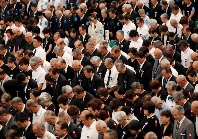 Thân nhân những người thiệt mạng trong chiến tranh thế giới thứ hai trong buổi lễ kỷ niệm 73 năm Nhật Bản đầu hàng đồng minh
