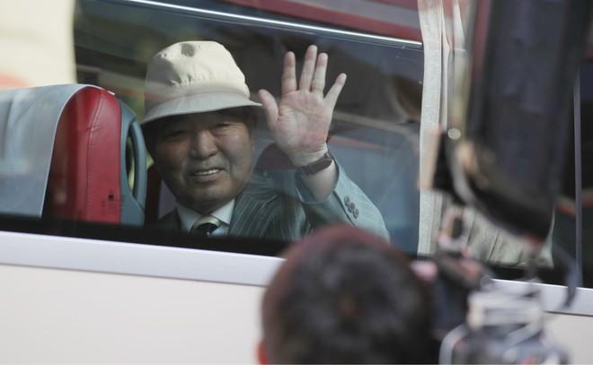 Đoàn xe khởi hành đến núi Kumgang Triều Tiên
