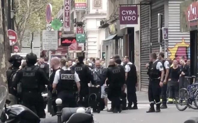 Cảnh sát có mặt tại hiện trường vụ bắt giữ con tin