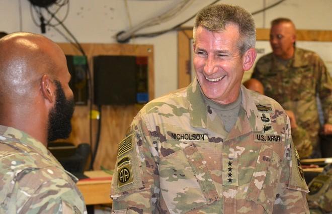"""Tướng John Nicholson, chỉ huy sứ mệnh """"Hỗ trợ Kiên quyết"""" của NATO"""