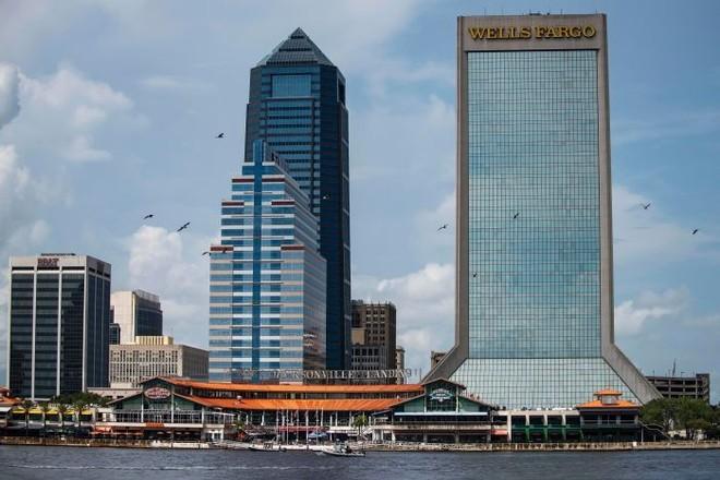 Toàn cảnh khu giải trí và mua sắm Jacksonville Landing