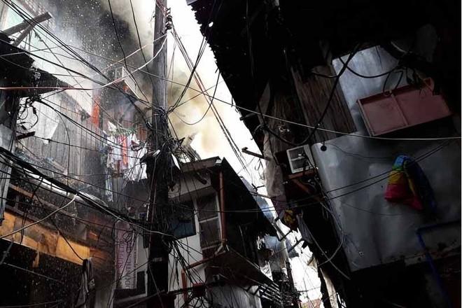 Vụ cháy xảy ra tại khu đông đúc và chật chội