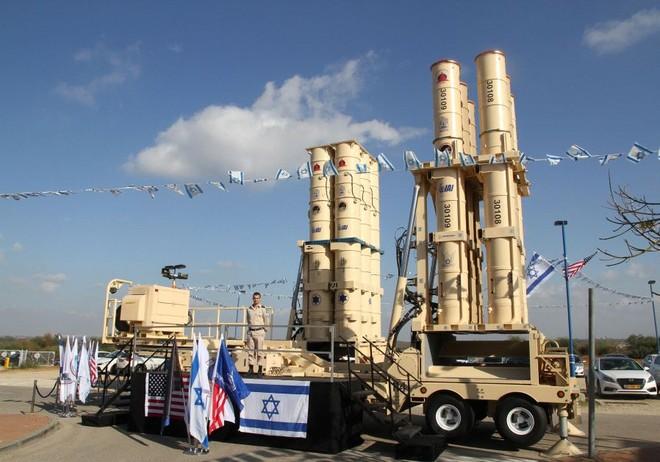 Hệ thống tên lửa đánh chặn Arrow-3 của Israel