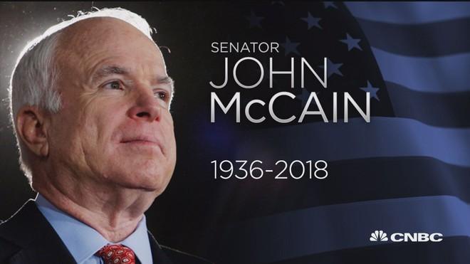 Nước Mỹ thể hiện lòng tôn kính với thượng nghị sĩ John McCain