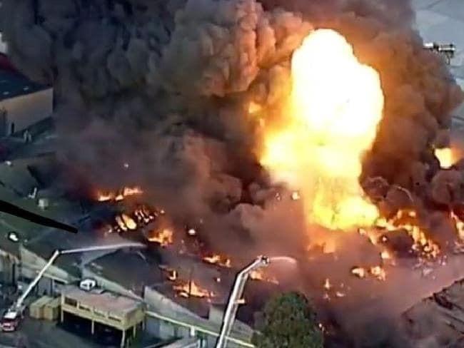 Hiện trường vụ nổ tại nhà máy