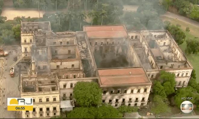 Viện bảo tàng sau khi ngọn lửa được khống chế