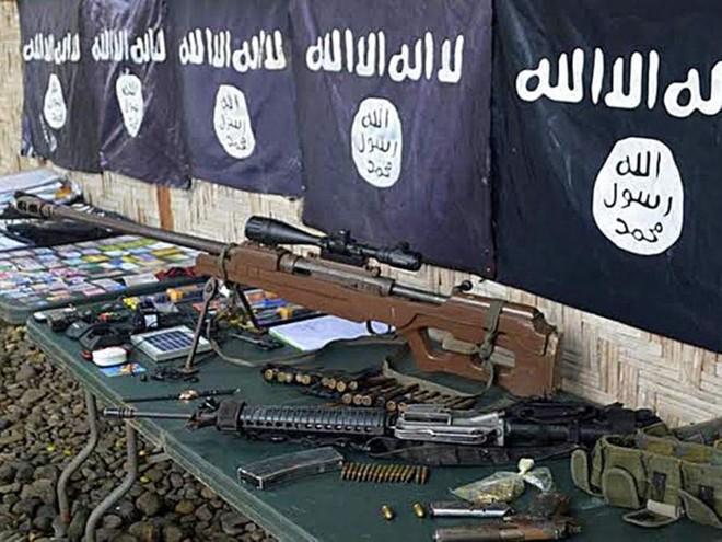 Hàng trăm các loại vũ khí thu được từ IS là do Mỹ cung cấp qua nước thứ 3
