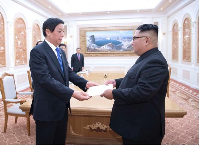 Ông Lật Chiến Thư đã chuyển thư của Chủ tịch Trung Quốc Tập Cận Bình tới nhà lãnh đạo Triều Tiên Kim Jong-un