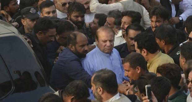 Cựu thủ tướng Pakistan Nawaz Sharif được toà án cho phép dự tang lễ người vợ quá cố của ông, bà Kulsoom Nâz, ở Lahore vào ngày 14-9