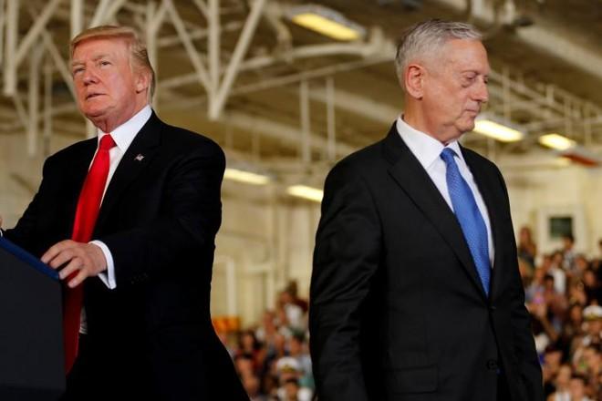Tổng thống Trump bất ngờ thay đổi, sa thải Bộ trưởng Quốc phòng sớm hơn 2 tháng