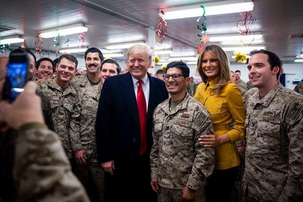 Tổng thống Mỹ và phu nhân bất ngờ thăm chiến trường Iraq
