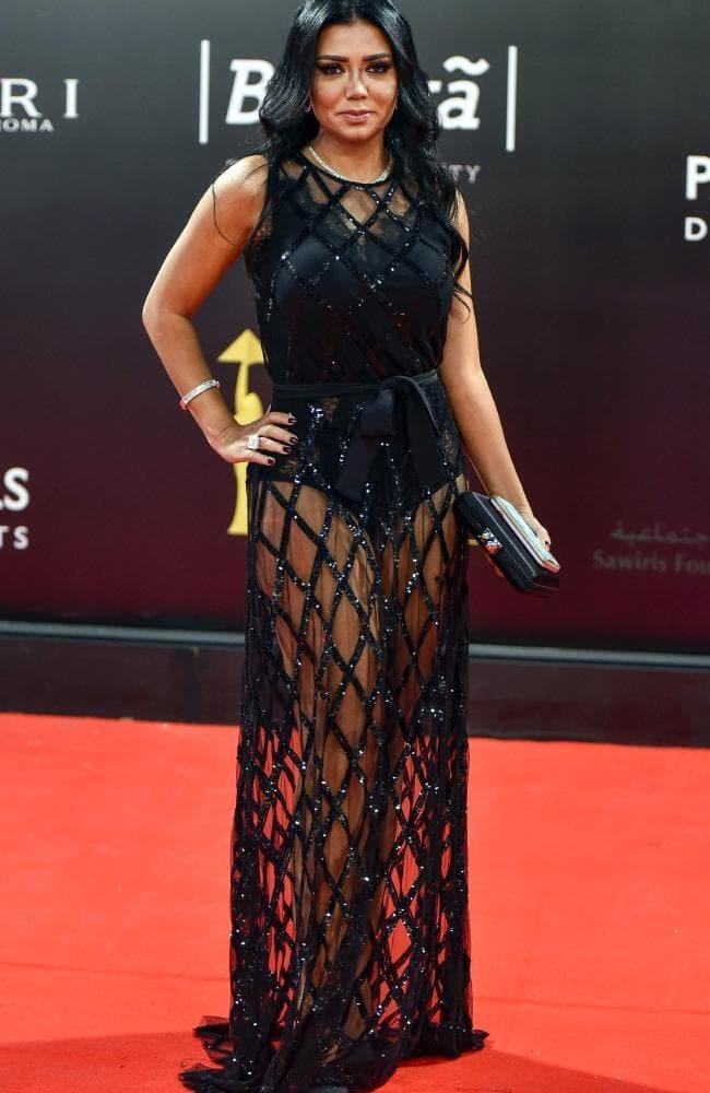 """Nữ diễn viên phải đối mặt với án tù vì mặc váy """"xuyên thấu"""""""