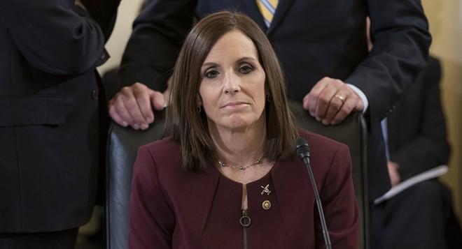 Nữ Thượng nghị sỹ McSally đã bị cưỡng hiếp khi phục vụ trong không quân
