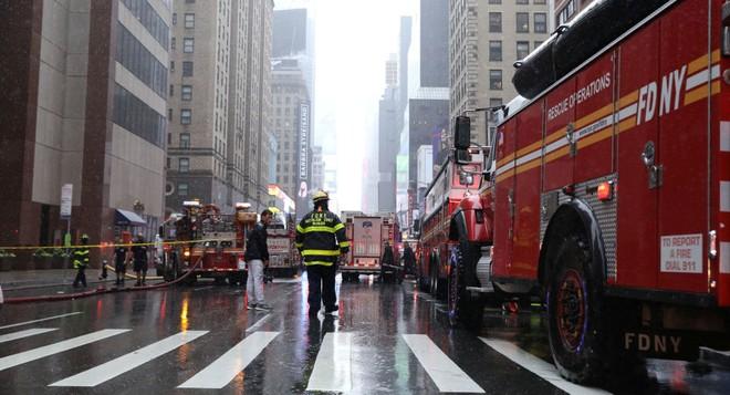 Phi công trực thăng đâm vào tòa nhà ở New York không có chứng chỉ bay thời tiết xấu