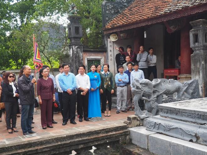 Đoàn kiểm tra công tác quản lý di tích đền vua Đinh, vua Lê tại Ninh Bình