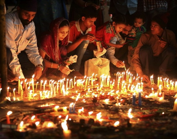 Diwali - lễ hội Ánh sáng truyền thống của người Ấn Độ