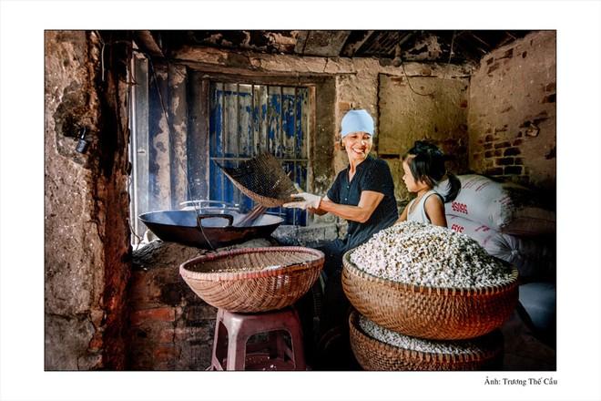 Lễ hội vinh danh làng nghề truyền thống huyện Phú Xuyên là hoạt động thường niên nhằm quảng bá, giới thiệu các sản phẩm làng nghề của huyện