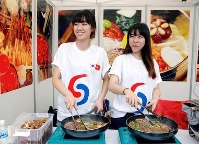 Lễ hội là dịp để quảng bá du lịch Việt Nam và Hàn Quốc thông qua nền ẩm thực phong phú