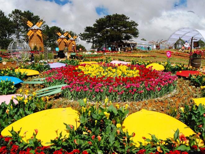 Festival Hoa Đà Lạt được tổ chức 2 năm một lần đã tạo được dấu ấn về Đà Lạt trong lòng du khách mọi miền