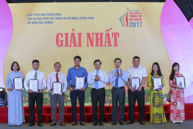 Trao Giải thưởng toàn quốc về thông tin đối ngoại năm 2017 ảnh 1