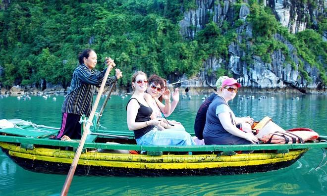 Nhờ du lịch thông minh - hoạt động du lịch được xây dựng trên nền tảng của công nghệ và truyền thông, các điểm đến tại Việt Nam ngày càng được nhiều du khách biết tới