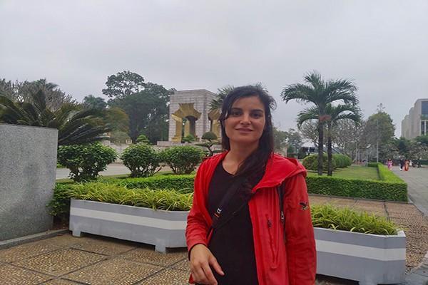 Chị Julia- Du khách Canada lần đầu tới Hà Nội và bị hấp dẫn bởi sự bình yên ở nơi này