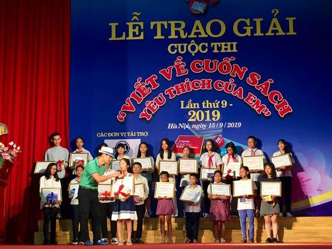 """Bé Tạ Ngân An giành Giải Nhất với bài viết về cuốn sách """"Trường Sa nơi ta đến""""."""