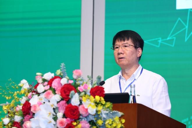 """Ông Trương Quốc Cường, Thứ trưởng Bộ Y tế phát biểu tại Hội thảo """"Giải pháp thiết kế Kiến trúc bệnh viện hiện đại"""""""
