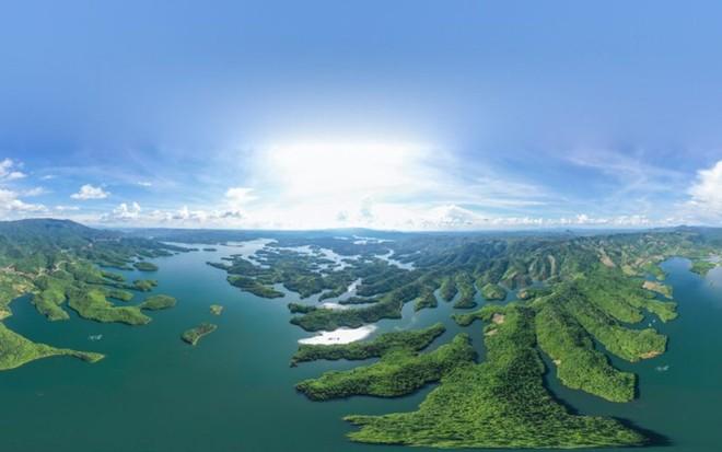 Hồ Tà Đùng (Ảnh: DAKNONGGEOPARK)