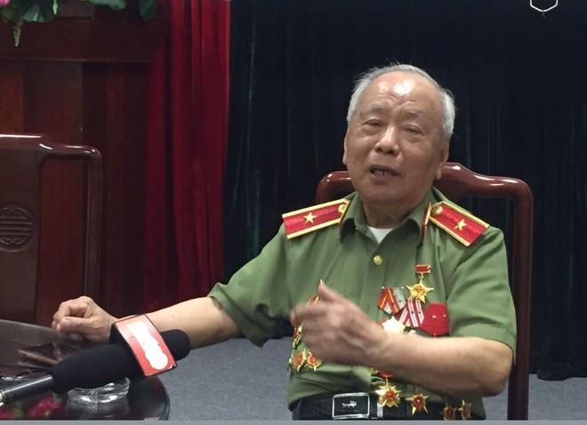 Thiếu tướng Nguyễn Đức Minh được kết nạp Đảng khi mới 18 tuổi