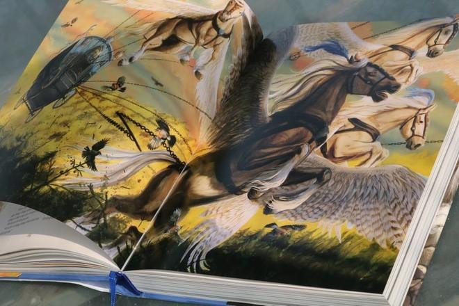 Tranh minh họa trong truyện được thể hiện bởi họa sĩ Jim Kay