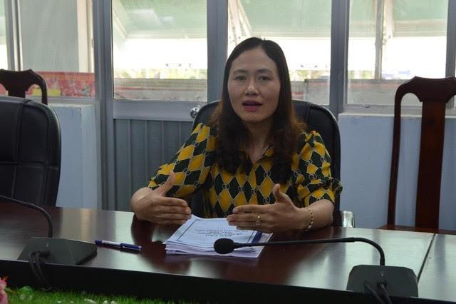 Bà Ngô Thị Minh Trinh trả lời phóng viên về vụ việc trên