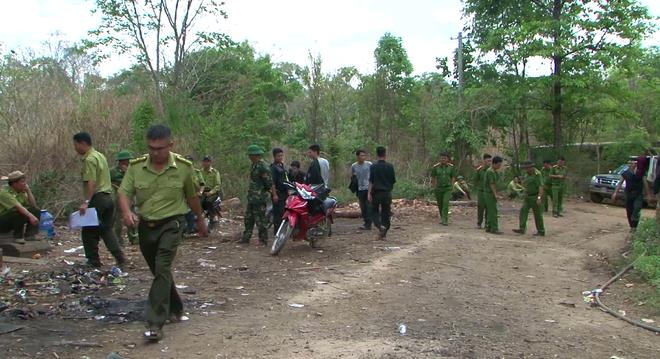 Lực lượng chức năng kiểm tra lán trại của Phượng 'râu'