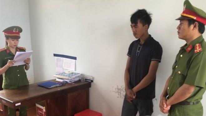 Cơ quan công an đọc lệnh bắt Y Boi