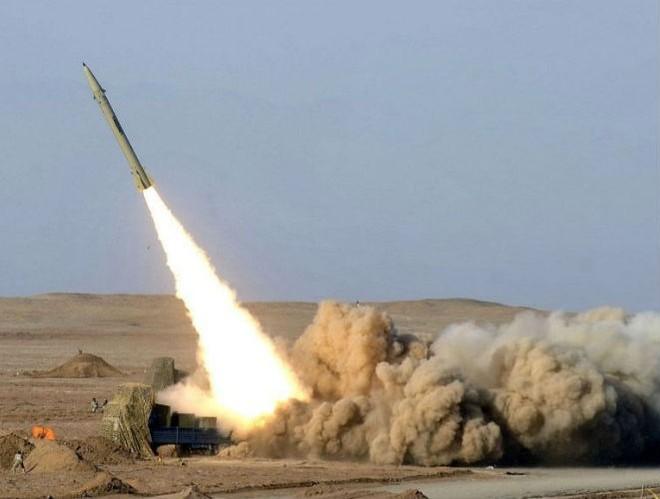 Phiến quân Houthi dùng Zilzal-2 trả thù Ả-Rập Saudi, 2 dân thường thiệt mạng ảnh 1