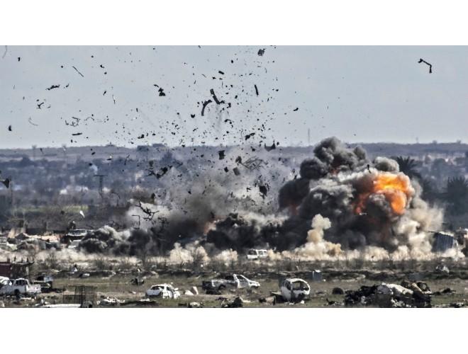Hàng trăm tay súng IS đầu hàng dù mức độ tấn công của SDF giảm mạnh ảnh 1