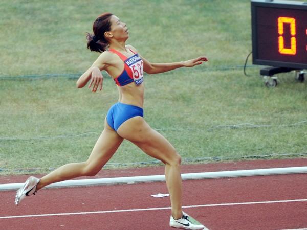 Vũ Thị Hương không thể bảo vệ tấm HCB ASIAD ở đường chạy 200m nữ