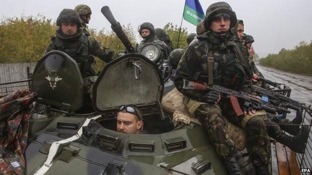 Đụng độ mới xảy ra ở sân bay DOnetsk đã khiến EU quyết định giữa nguyên lệnh trừng phạt với Nga