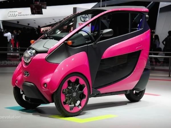 Toyota i-Road hồng rực ấn tượng tại triển lãm xe Paris ảnh 1