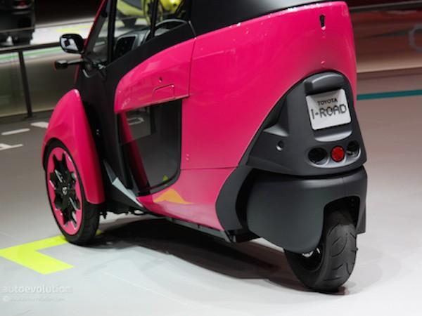 Toyota i-Road hồng rực ấn tượng tại triển lãm xe Paris ảnh 6