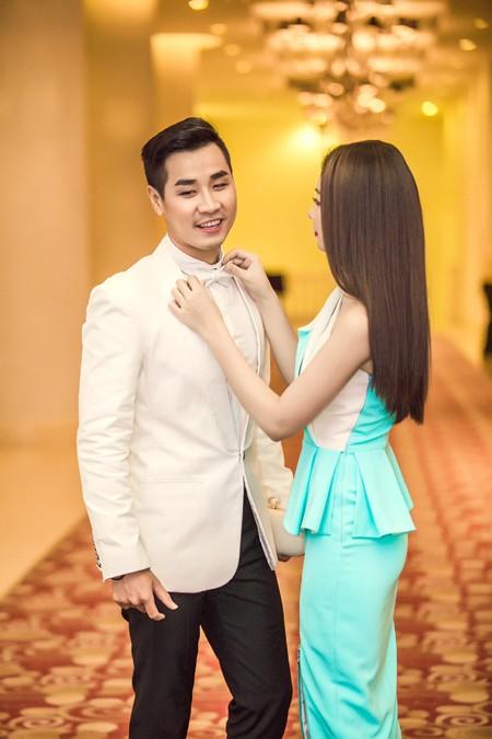 """MC """"X-Factor"""" Nguyên Khang sánh đôi cùng Miss Ngôi sao đi sự kiện ảnh 10"""