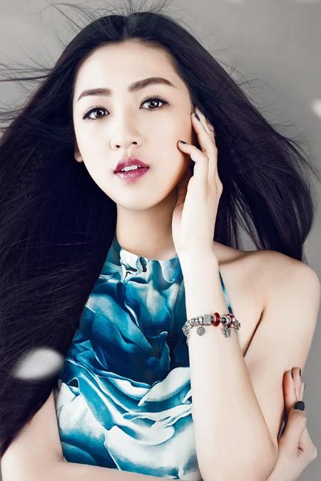 Xao lòng ngắm nhìn Á hậu Tú Anh xinh đẹp như búp bê ảnh 3